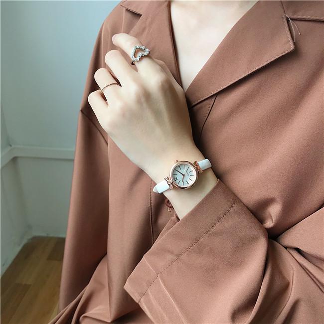 合金レザークォーツ時計その他配色縁取りラウンド防水深度30mファッション腕時計